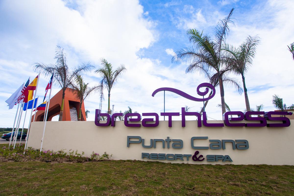 Complejo Hotelero HOTEL BREATHLES en UVERO ALTO (República Dominicana)